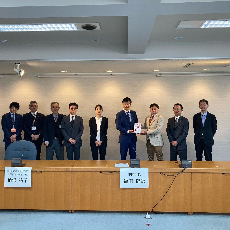 『空気から水をつくる』空気製水機を福岡県中間市役所に設置